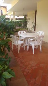 The lounge or bar area at Apartamento de 3 quartos a 200m da praia