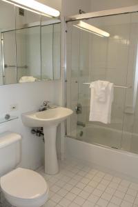 A bathroom at Chelsea Sixth Avenue