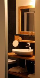 A bathroom at Boardhousing
