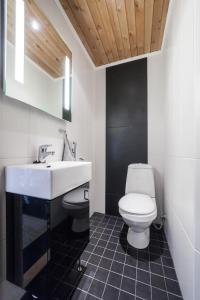 Kylpyhuone majoituspaikassa Kalajoki Apartments