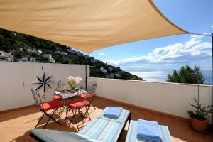 A balcony or terrace at Tenuta Mamma Carmela