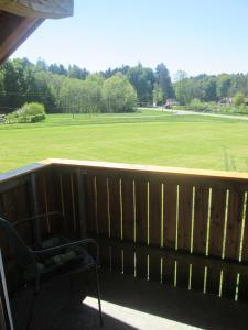 Ein Balkon oder eine Terrasse in der Unterkunft Ferienwohnung Rosalie