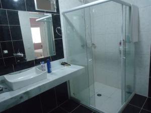 A bathroom at Casa da Mara