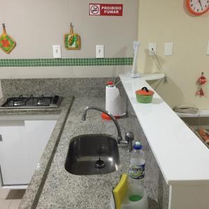 A kitchen or kitchenette at Apartamento Boa Viagem