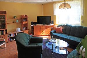 Ein Sitzbereich in der Unterkunft Ferienwohnung Bömitz