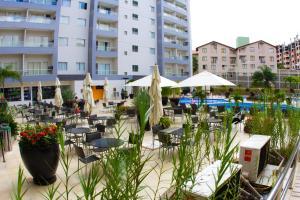 A restaurant or other place to eat at Veredas do Rio Quente