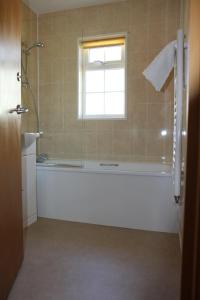 A bathroom at Briquet Cottages, Guernsey,Channel Islands