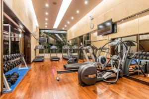 The fitness centre and/or fitness facilities at Fraser Place Shekou Shenzhen
