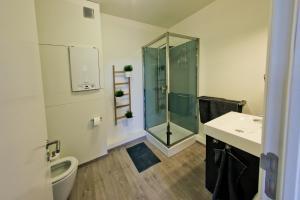 A bathroom at Les Suites de Nanesse