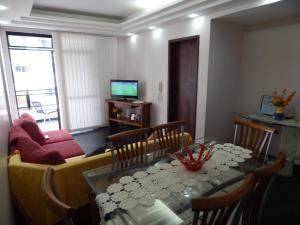 The lounge or bar area at Apartamento Praia do Forte