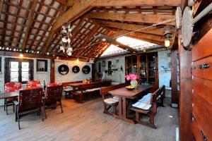Restaurant ou autre lieu de restauration dans l'établissement Villa Batur