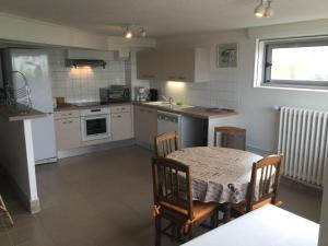 A kitchen or kitchenette at Coutain