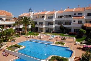 Het zwembad bij of vlak bij Apartamentos Hg Cristian Sur
