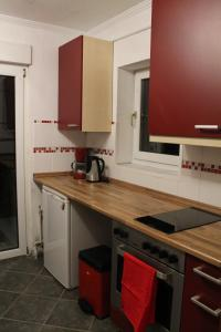 A kitchen or kitchenette at Fair Trade Apartment