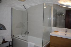 Kúpeľňa v ubytovaní Cueva Los Naranjos