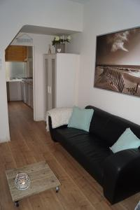 A seating area at SteR Appartement Zandvoort