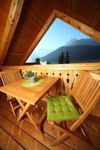 Ein Balkon oder eine Terrasse in der Unterkunft Pod Ponco Apartments