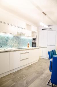 Küche/Küchenzeile in der Unterkunft Blue Luxury Apartment