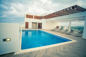 Πισίνα στο ή κοντά στο Accra Luxury Apartments