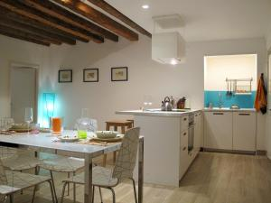 A kitchen or kitchenette at Ca' Tintor