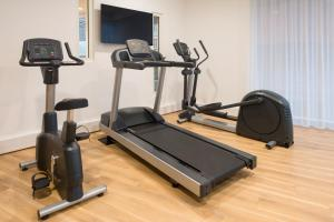 The fitness center and/or fitness facilities at Aparthotel Adagio Birmingham City Centre