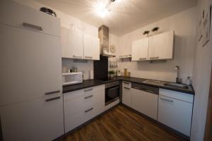 Küche/Küchenzeile in der Unterkunft Ferienwohnung Prantner