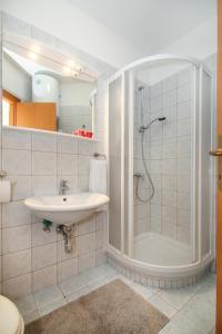 A bathroom at Lavanda Dream Apartment