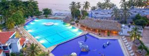 A view of the pool at Costa Azul Suites Apartamento 603 or nearby