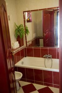 A bathroom at Mediterrán apartman