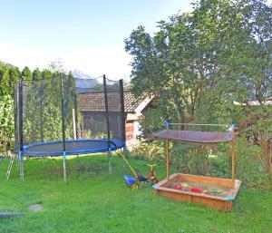 Ein Kinderspielbereich in der Unterkunft Biohof Sendler