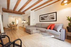 A seating area at Stylish apartments in the heart of Barcelona!