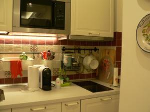 Kuhinja oz. manjša kuhinja v nastanitvi Casa Di Giovanna