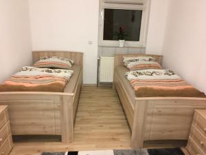Lova arba lovos apgyvendinimo įstaigoje Petrov