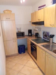 Küche/Küchenzeile in der Unterkunft Ferienwohnung Konen