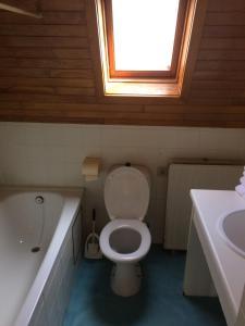 A bathroom at Logies De Wandelaar