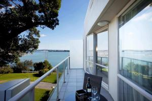 A balcony or terrace at VR Takapuna