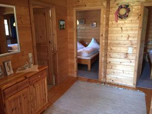 Ein Bett oder Betten in einem Zimmer der Unterkunft Lauterdörfle