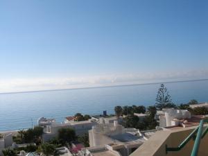 Een algemene foto of uitzicht op zee vanuit het appartement