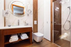 Vonios kambarys apgyvendinimo įstaigoje Diamonds Luxury Old Town Residence
