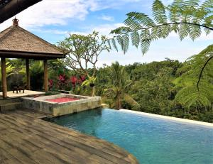 The swimming pool at or close to Ayuterra Resort