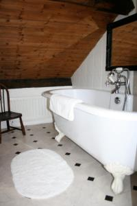 A bathroom at Teesdale Rooms