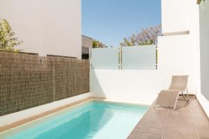 The swimming pool at or near Villa del Sur Luxury Casasol