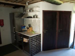 Köök või kööginurk majutusasutuses Aaduaida Holiday House