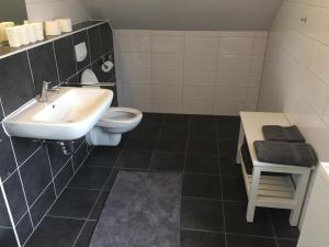 Ein Badezimmer in der Unterkunft Ferienwohnung Schlössle Laufenburg