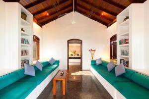 A seating area at Apa Villa Thalpe