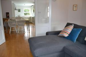 A seating area at Dingle Townhouse