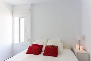 A bed or beds in a room at Panoramic View Apartment