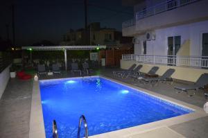 Der Swimmingpool an oder in der Nähe von Kremasti Memories