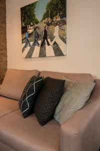 A bed or beds in a room at Stylish Central London Apartment