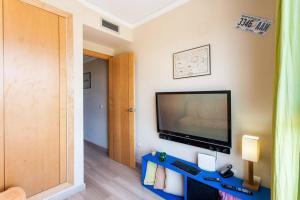 TV a/nebo společenská místnost v ubytování Biopark View Apartment